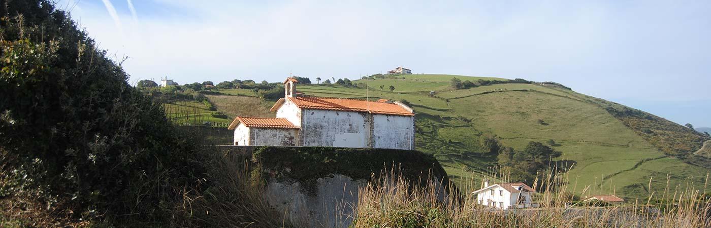 Louer un mobil home partir de 250 la semaine for Camping pays basque bord de mer avec piscine